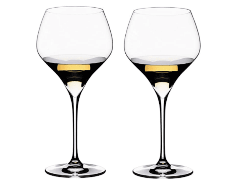 Wine glass shapes: full bodied white and light reds