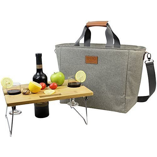 Wine bag with picnic setup